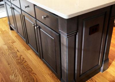 Kitchen-Cabinet-Dark-Island-Color