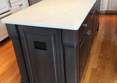 Kitchen-Cabinet-Dark-Island-Corner