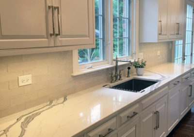 Modern-Kitchen-Cabinets-Painted-White