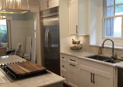 Modern-White-and-Grey-Kitchen-Cabinets