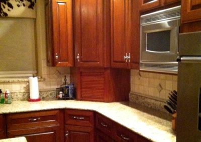 Traditional-Dark-Kitchen-Stain